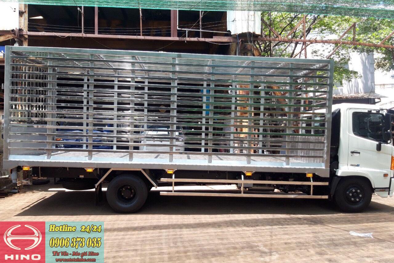 Xe-Tải-Hino-6T5 Chở-gà